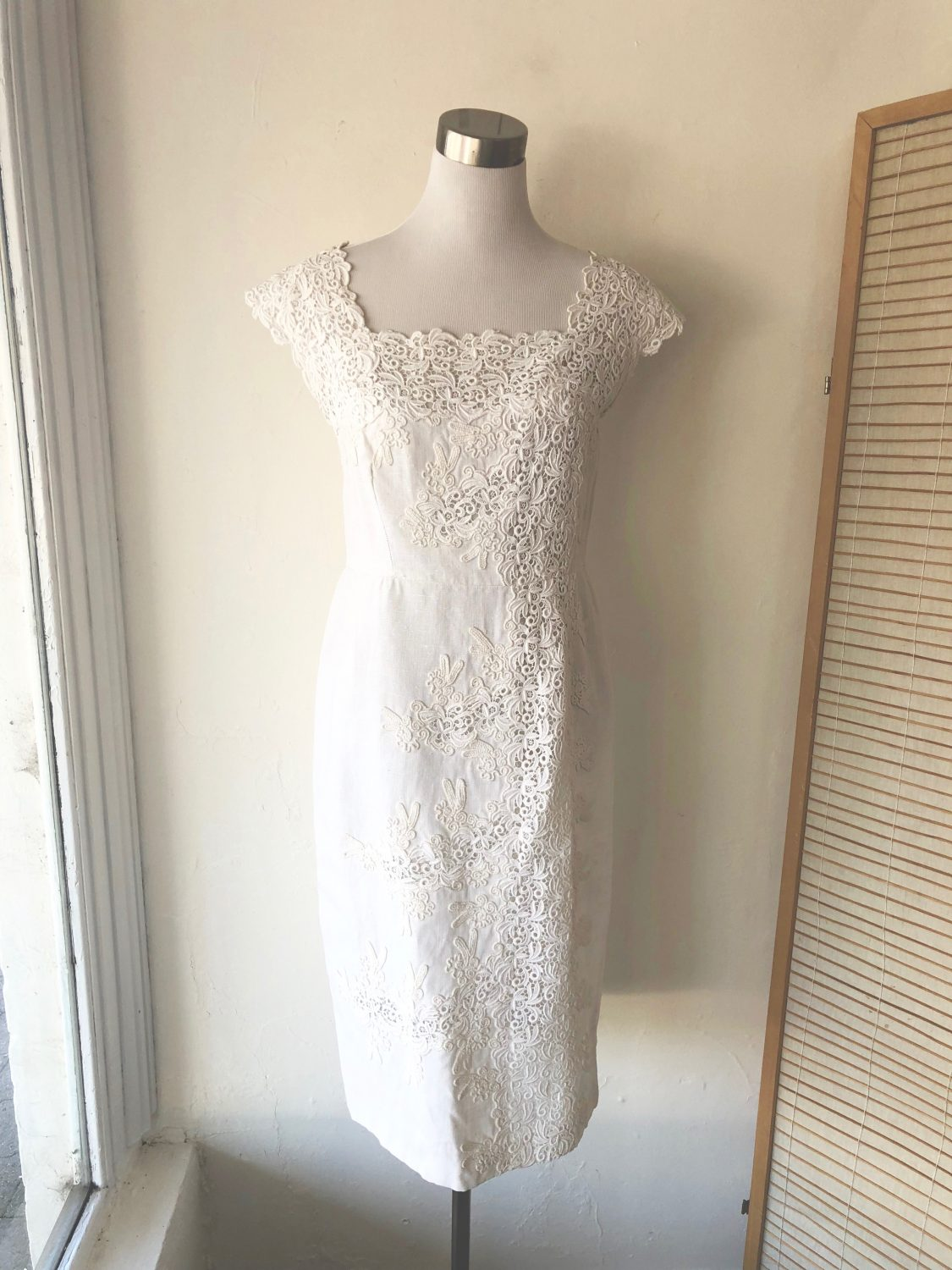 88eca124b15 Brilliant White Linen and Lace 1950s Dress